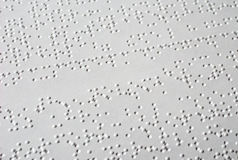 800px-Braille_text